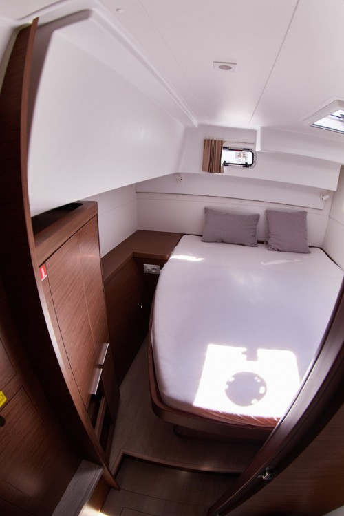 Rental yacht  - Lagoon Lagoon 40 - 4 + 2 cab  on SamBoat