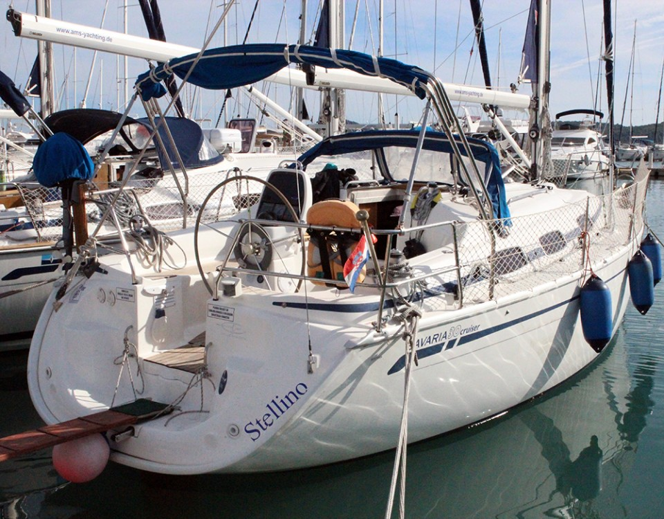 Rent a Bavaria Cruiser 30 Vrsar