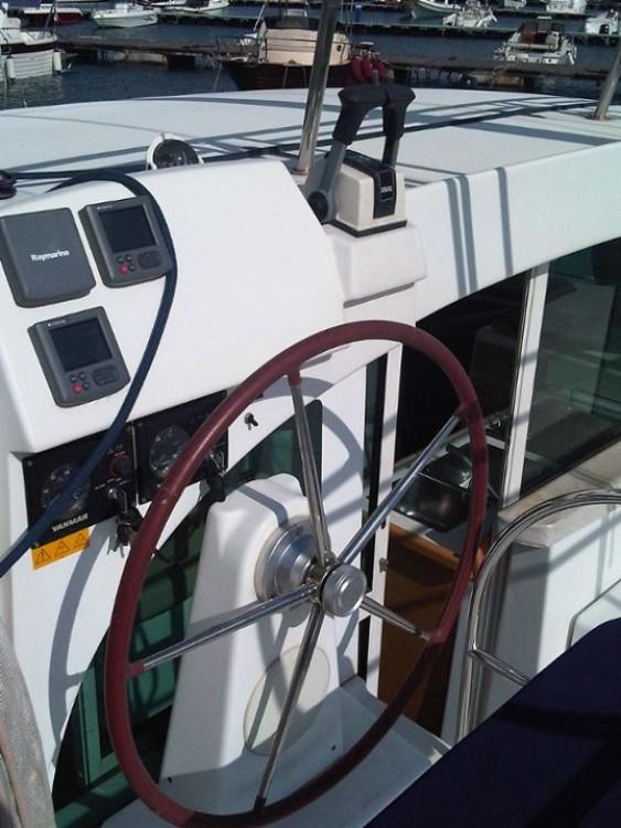 Rental Catamaran in Campania - Lagoon Lagoon 380