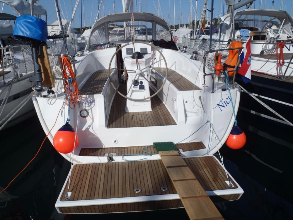 Rental Sailboat in  - Bavaria Cruiser 32