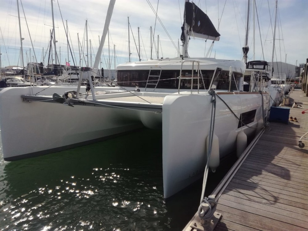 Catamaran for rent Campania at the best price
