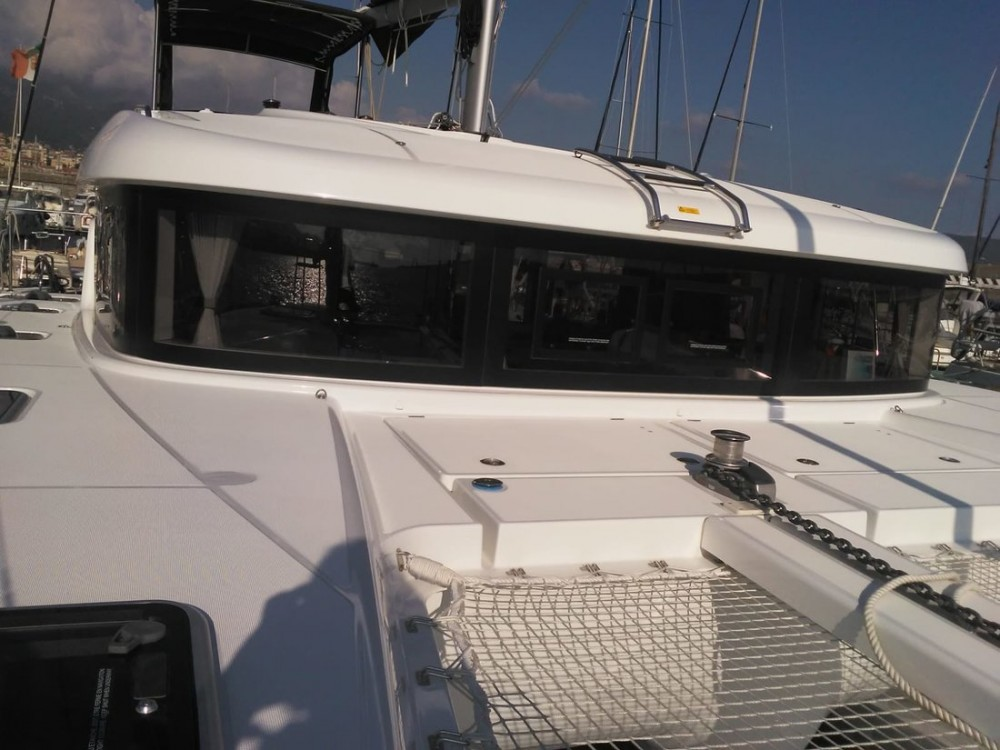 Hire Catamaran with or without skipper Lagoon Campania