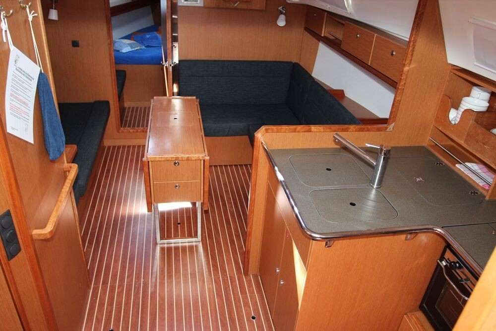 Rent a Bavaria Cruiser 36 Vrsar