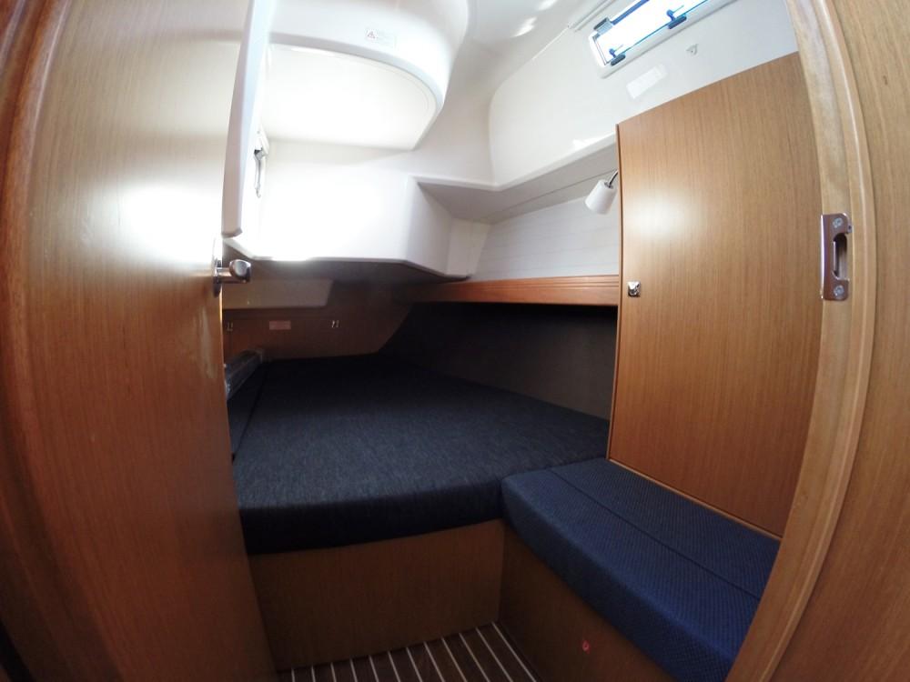 Boat rental Vrsar cheap Cruiser 37