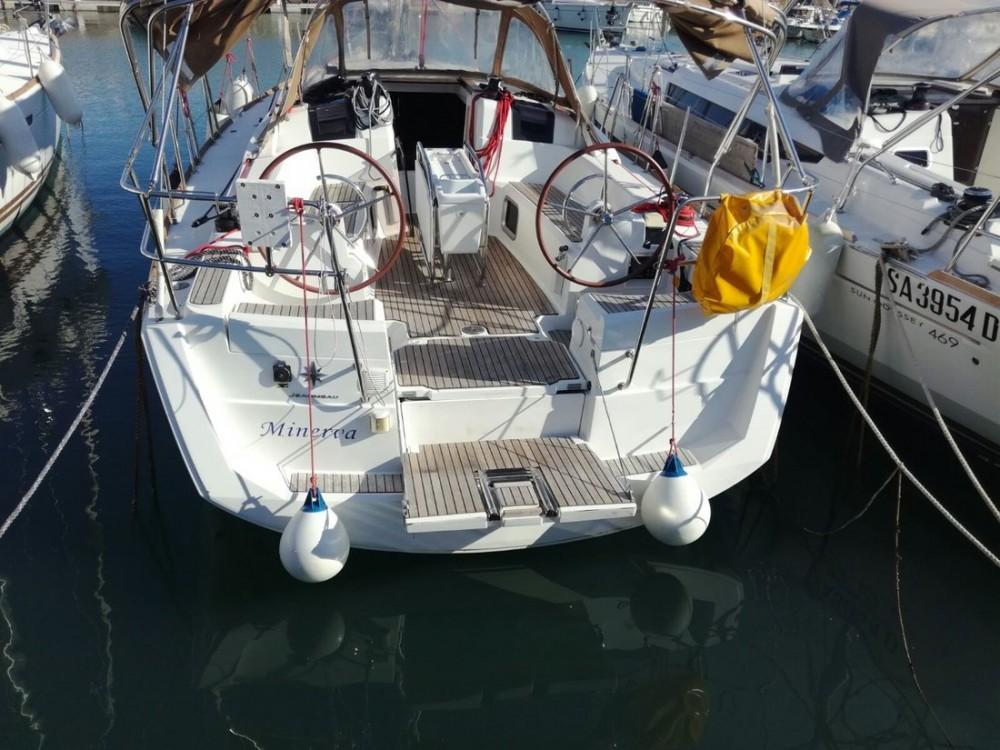 Rental yacht Campania - Jeanneau Sun Odyssey 379 on SamBoat