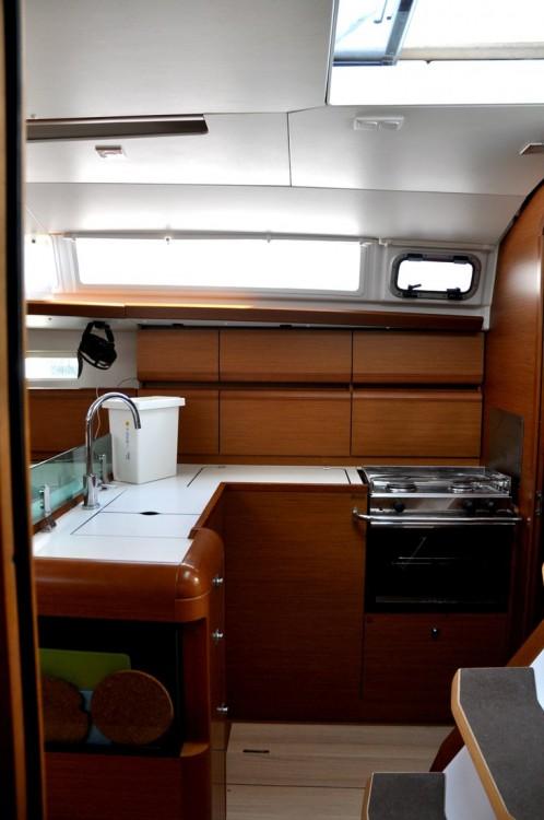Rental Sailboat in Campania - Jeanneau Sun Odyssey 419