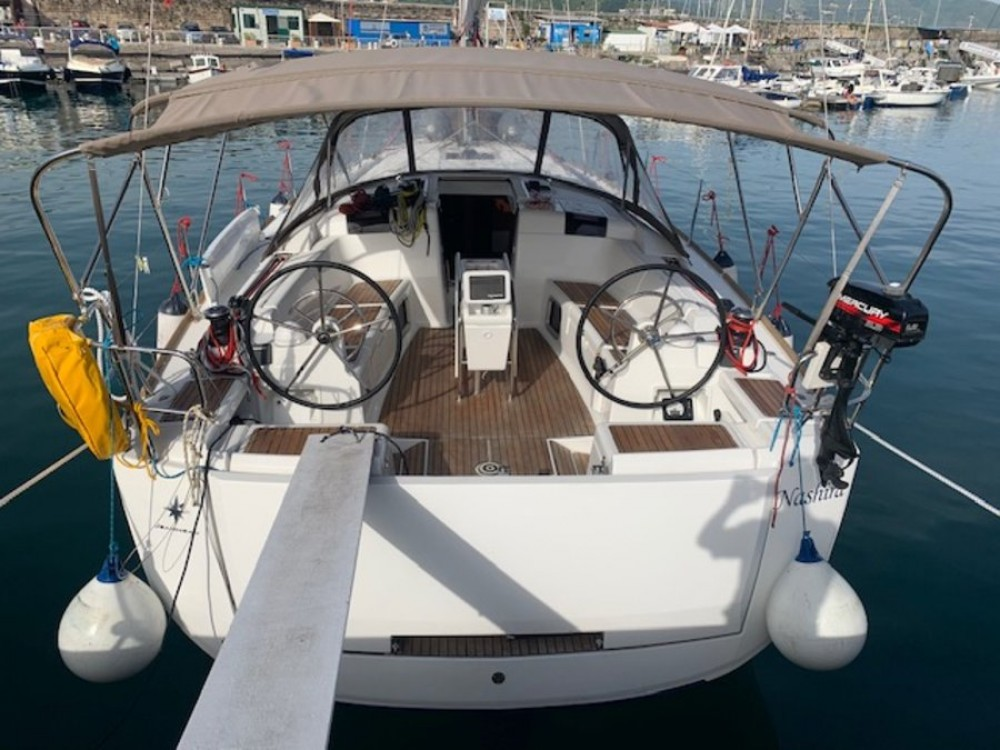 Hire Sailboat with or without skipper Jeanneau Campania