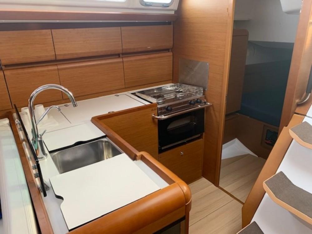 Rental yacht Campania - Jeanneau Sun Odyssey 449 on SamBoat