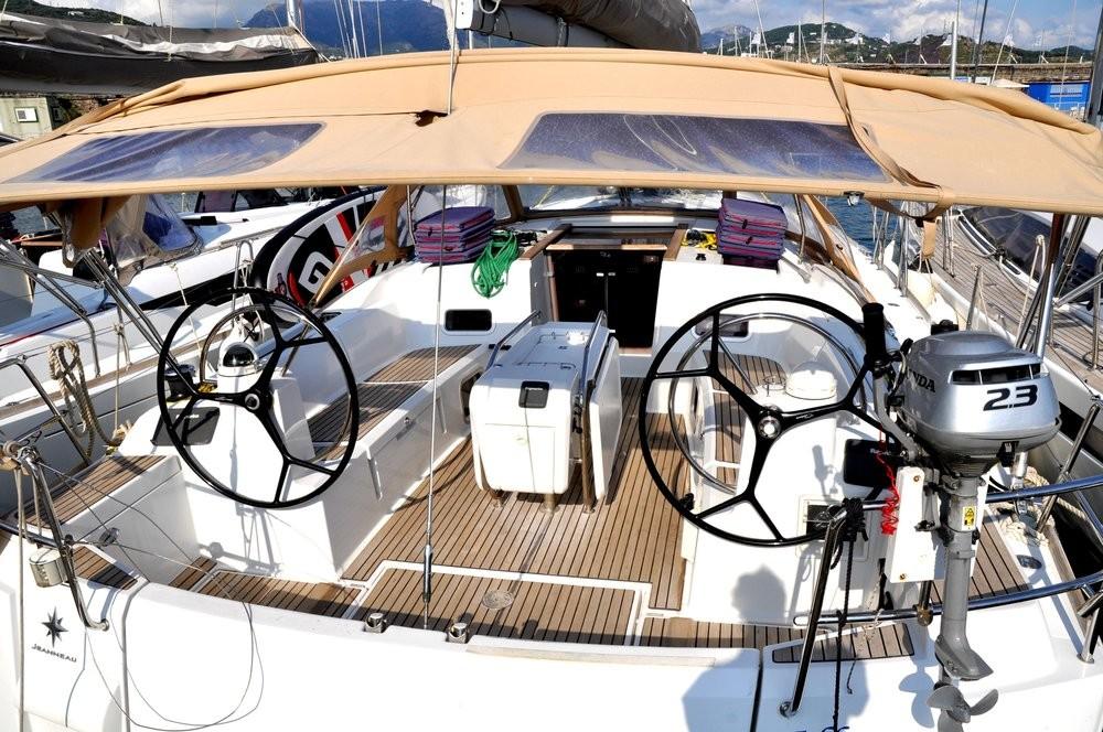 Rental Sailboat in Campania - Jeanneau Sun Odyssey 469