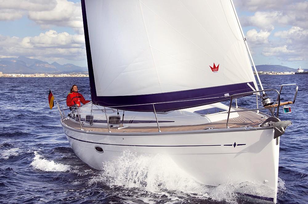 Rental yacht Campania - Bavaria Cruiser 37 on SamBoat