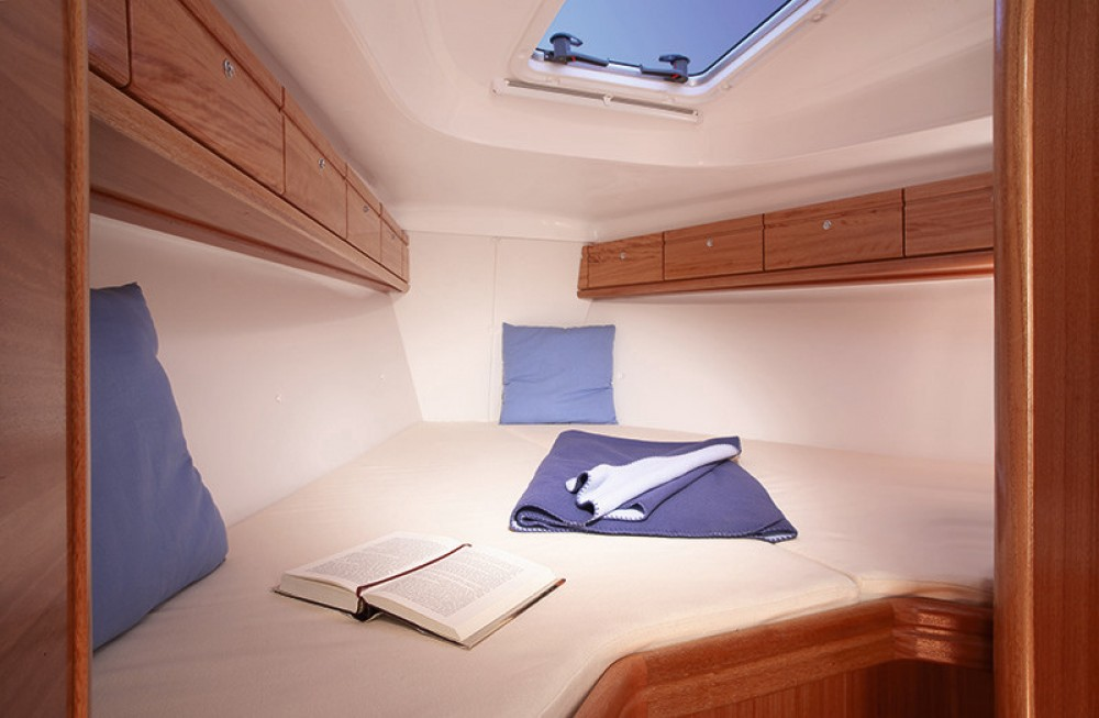 Rent a Bavaria Cruiser 37 Campania