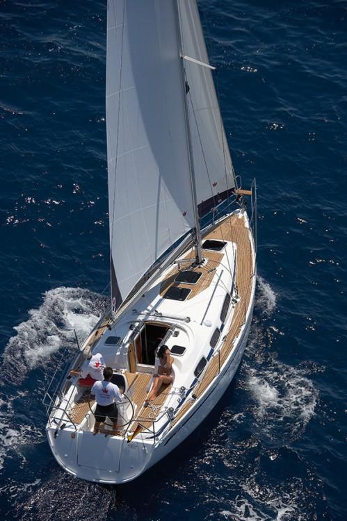 Rental yacht Campania - Bavaria Cruiser 39 on SamBoat
