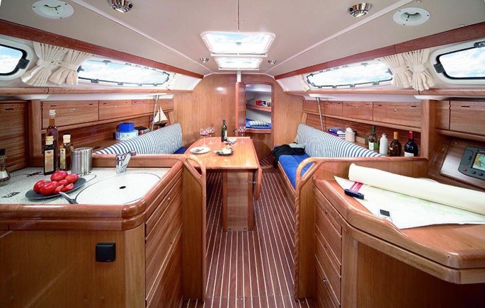 Bavaria Cruiser 39 between personal and professional Campania