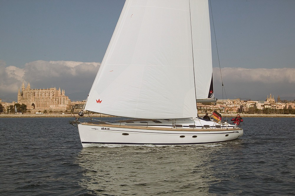 Rent a Bavaria Cruiser 50 Palermo