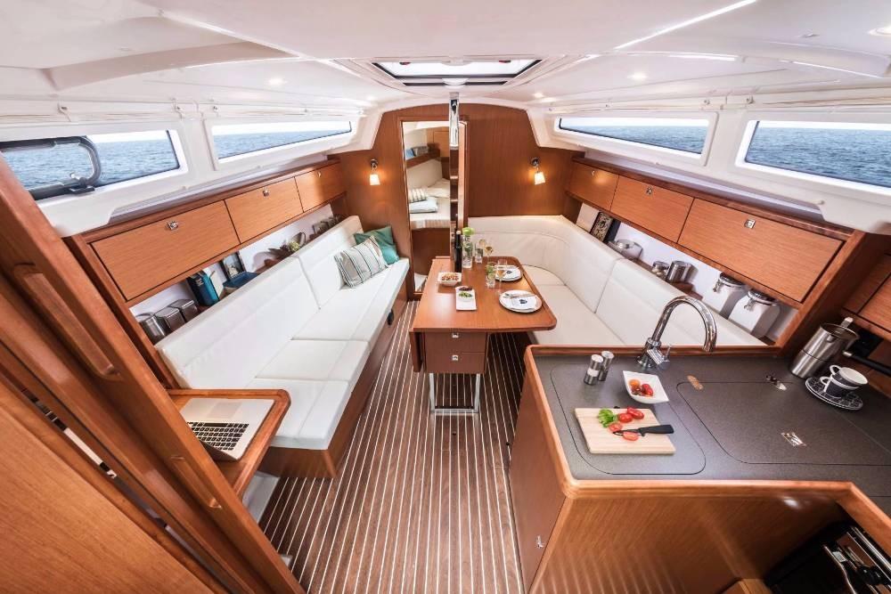 Rent a Bavaria Cruiser 34 Follonica