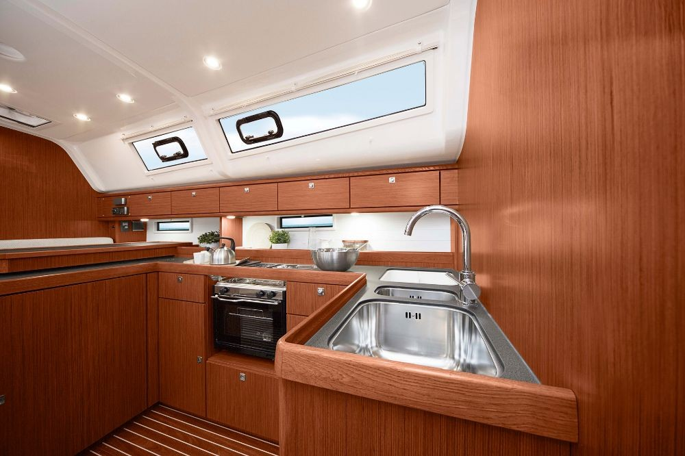 Rent a Bavaria Cruiser 51 Campania