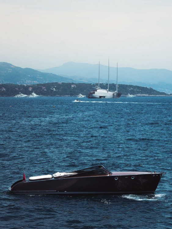 Sole Yacht Kymo 38 between personal and professional Port de Fontvieille