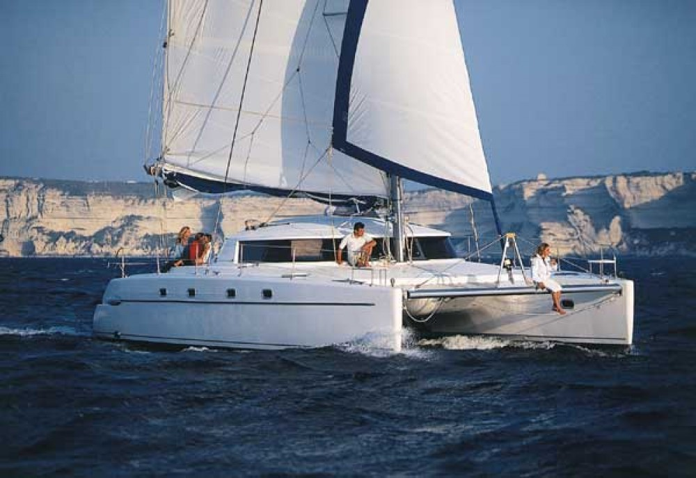 Rental yacht  - Fountaine Pajot Belize 43 on SamBoat