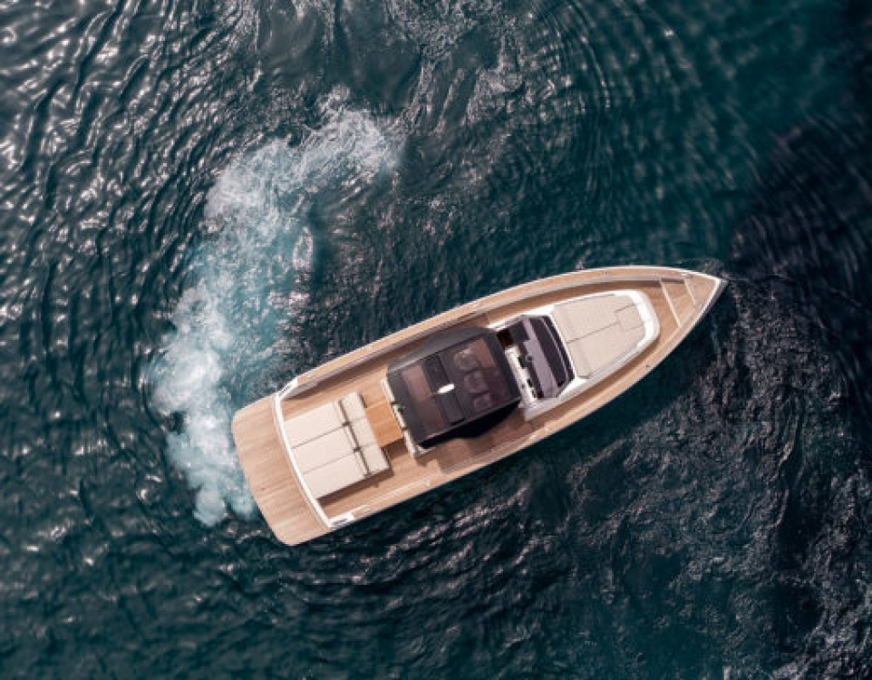 Rental Motor boat Grand Soleil with a permit