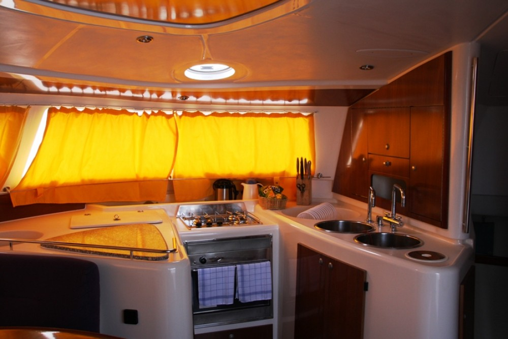 Rent a Fountaine Pajot Belize 43