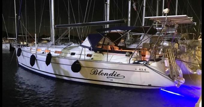 Boat rental Bénéteau Cyclades 43.4 in Marmaris on Samboat