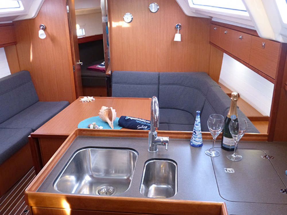 Rental Sailboat in Procida - Bavaria Bavaria Cruiser 37 - 3 cab.