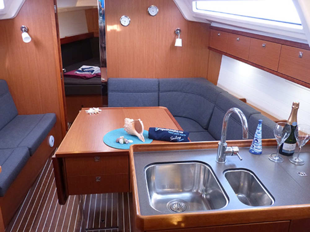 Bavaria Bavaria Cruiser 37 - 3 cab. between personal and professional Procida