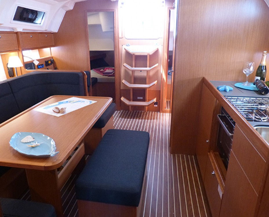 Boat rental Bavaria Bavaria Cruiser 41 - 3 cab. in Procida on Samboat