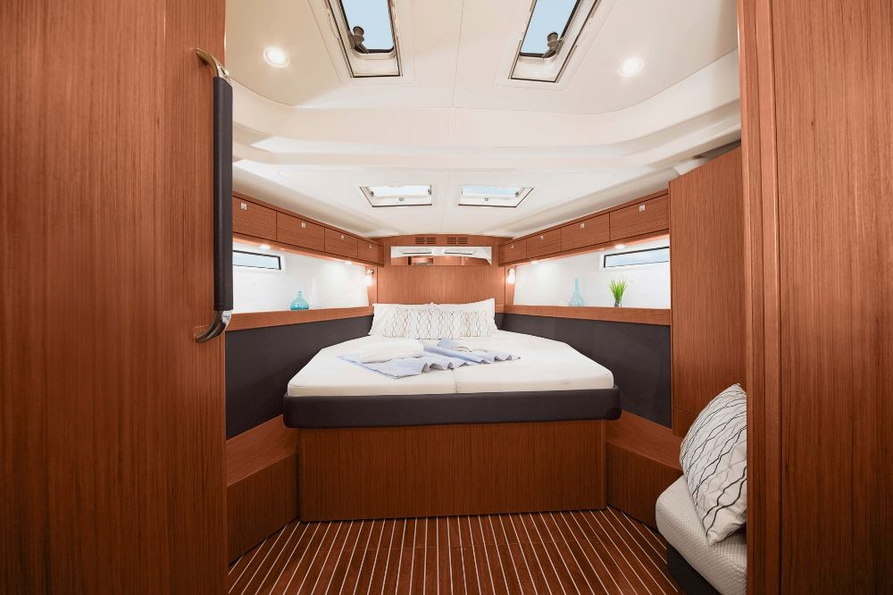 Rental Sailboat in Procida - Bavaria Bavaria Cruiser 51 - 4 cab