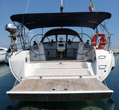 Boat rental Bavaria Cruiser 51 in Procida on Samboat