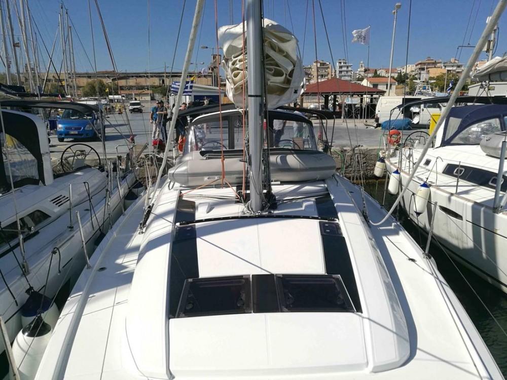 Boat rental Bénéteau Oceanis 46.1 (4 cab) in Peloponnese on Samboat