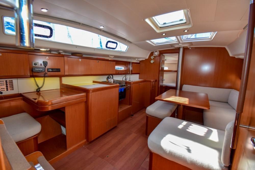 Boat rental Bénéteau Oceanis 40 in Marmaris on Samboat