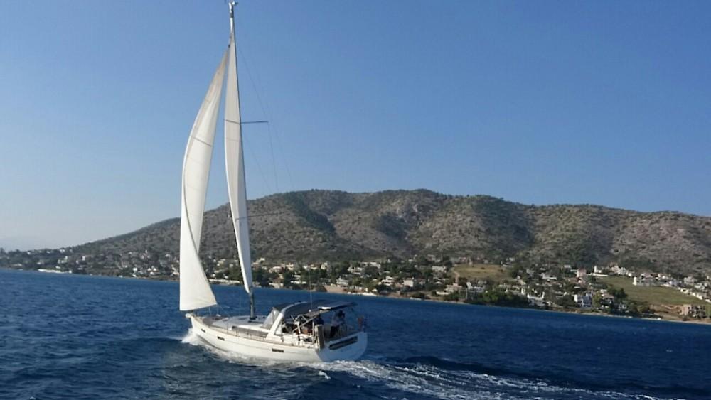Boat rental Bénéteau Oceanis 41 in Peloponnese on Samboat