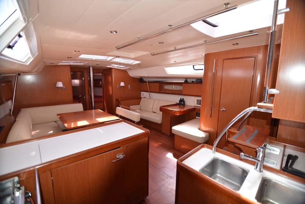 Boat rental Bénéteau Oceanis 54 - 4 + 1 cab. in Peloponnese on Samboat