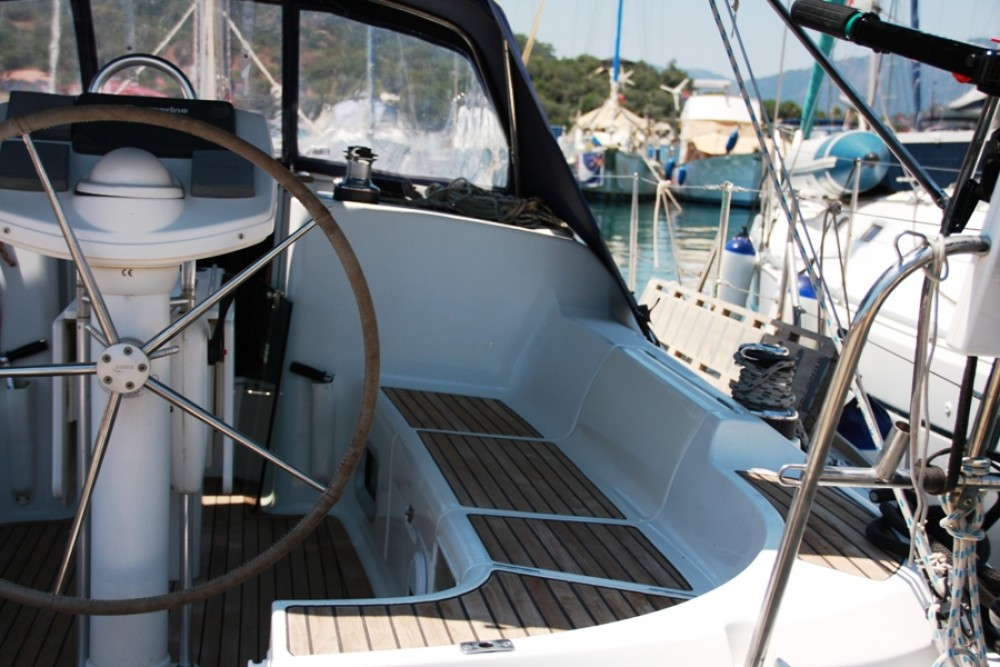 Jeanneau Sun Odyssey 37 between personal and professional
