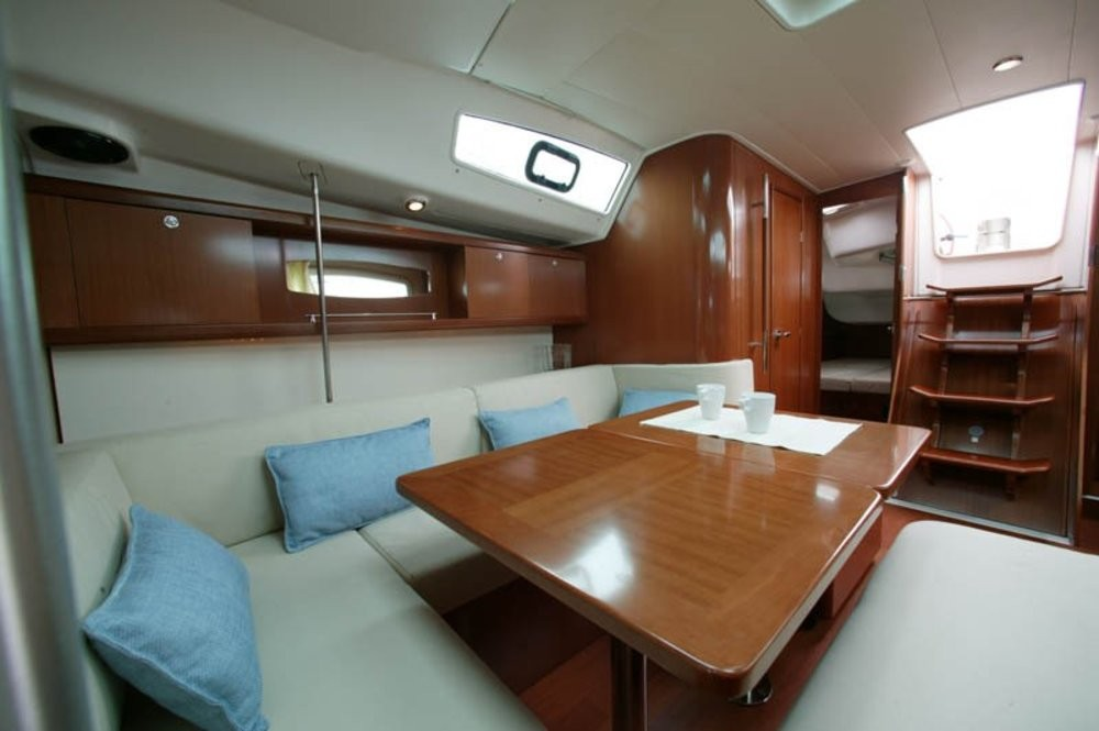 Boat rental Vólos cheap Oceanis 40
