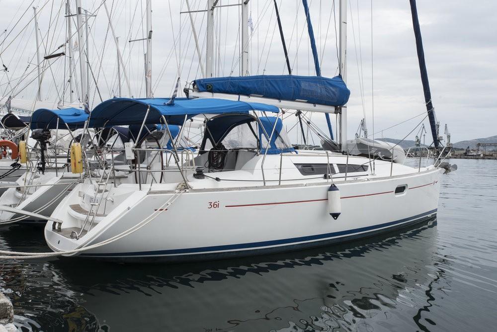 Boat rental Jeanneau Sun Odyssey 36i in Vólos on Samboat