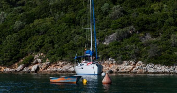 Boat rental Jeanneau Sun Odyssey 36i in Volos on Samboat