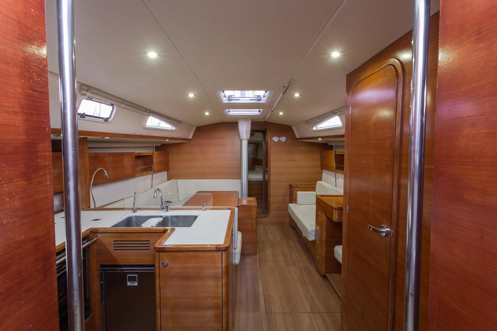 Hire Sailboat with or without skipper Salona Peloponnese