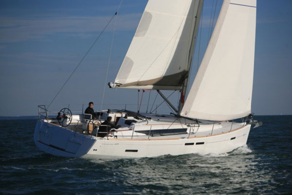 Jeanneau Sun Odyssey 439 between personal and professional Péloponnèse