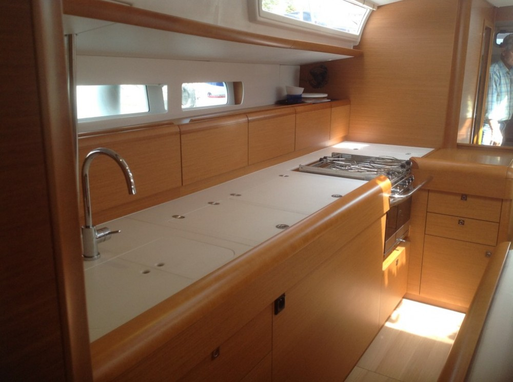Hire Sailboat with or without skipper Jeanneau Péloponnèse