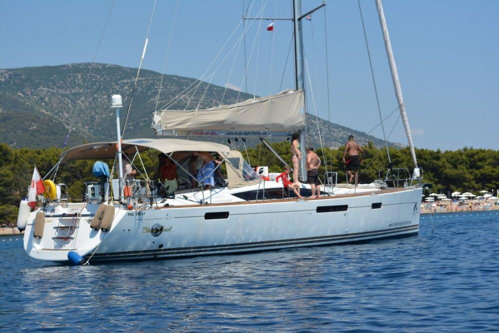 Boat rental Jeanneau Jeanneau 57 - 4 cab. in  on Samboat