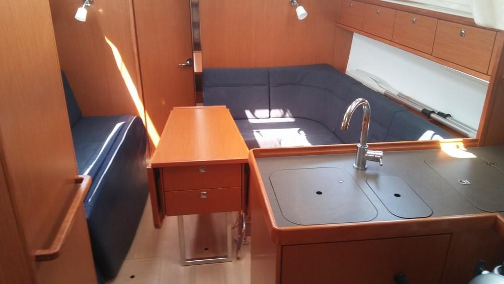 Boat rental Bavaria Bavaria 37 Cruiser in South Aegean on Samboat