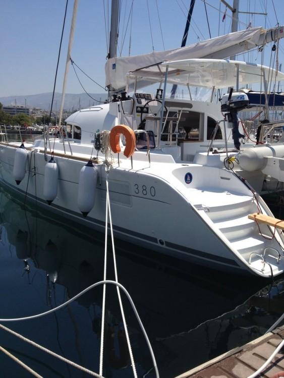 Boat rental Lagoon Lagoon 380 - 4 + 2 cab. in Peloponnese on Samboat
