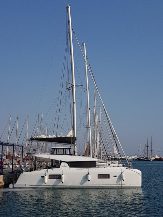 Hire Catamaran with or without skipper Lagoon Mykonos