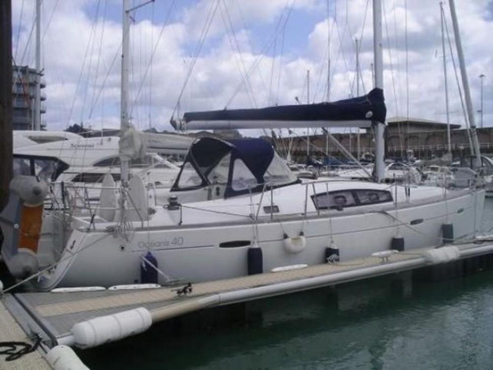 Rental Sailboat in Volos - Bénéteau Oceanis 40