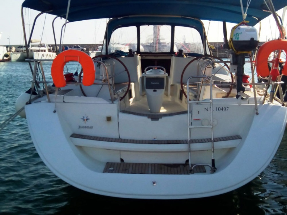 Jeanneau Sun Odyssey 42i between personal and professional Peloponnese