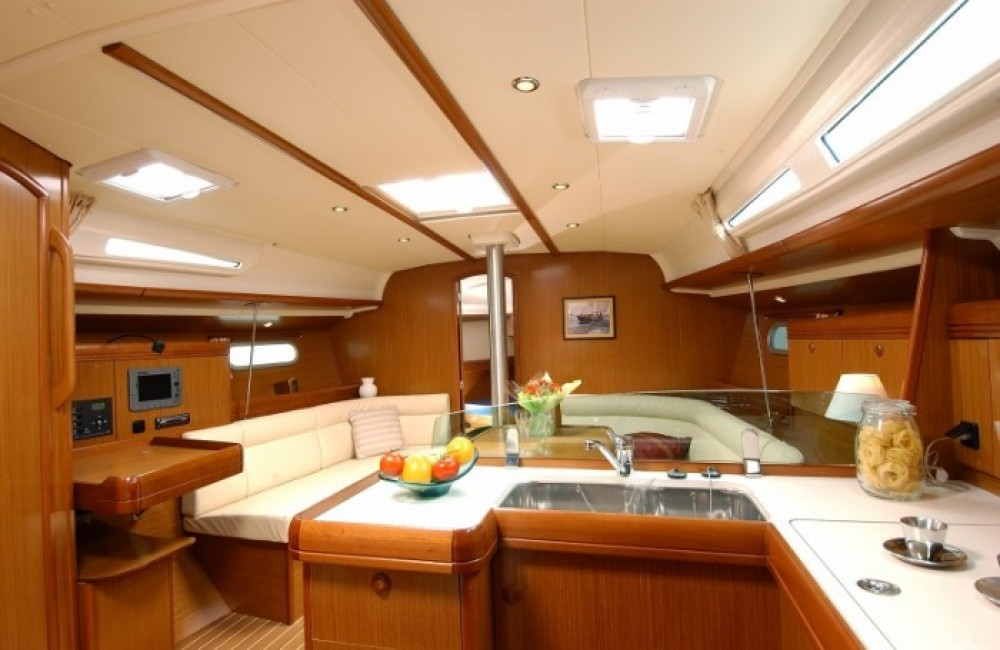 Rental yacht Attica - Jeanneau Sun Odyssey 42i on SamBoat