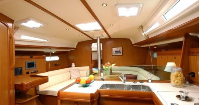 Boat rental Jeanneau Sun Odyssey 42i in Peloponnese on Samboat