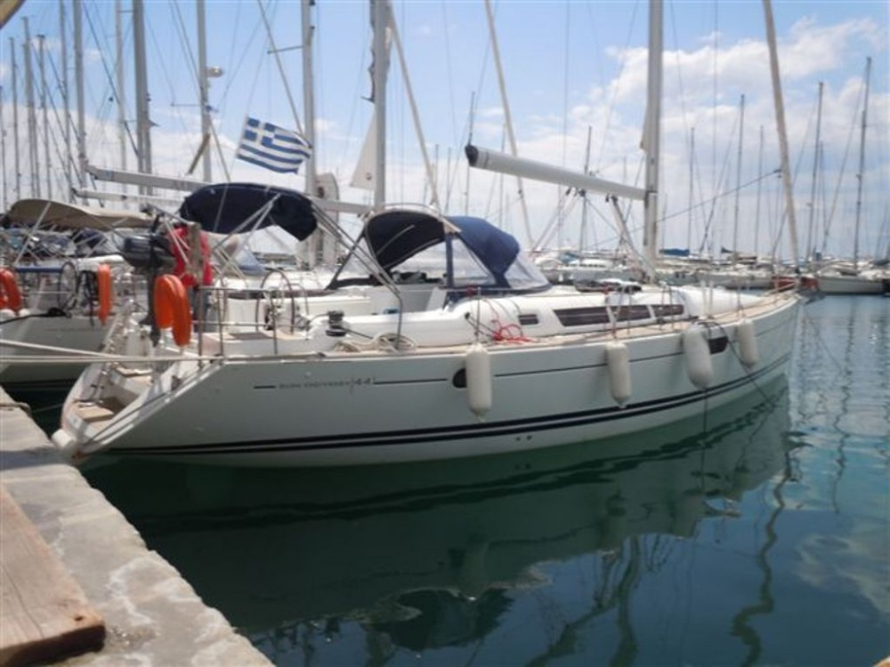Hire Sailboat with or without skipper Jeanneau Vólos